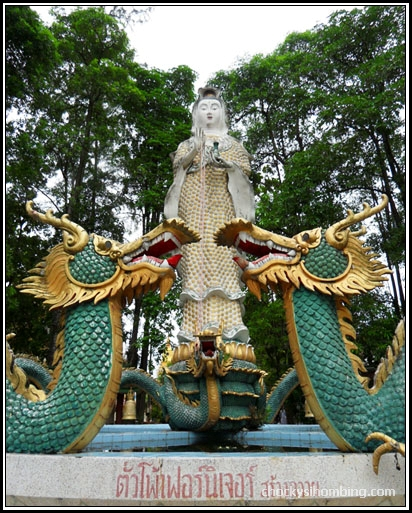 Kwan Im Statue in Wat Phranang Sang
