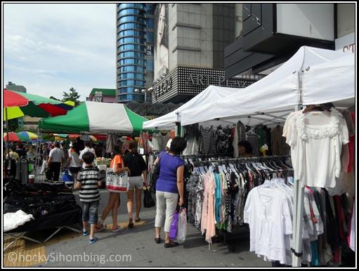 Pasar baju di Dongdaemun