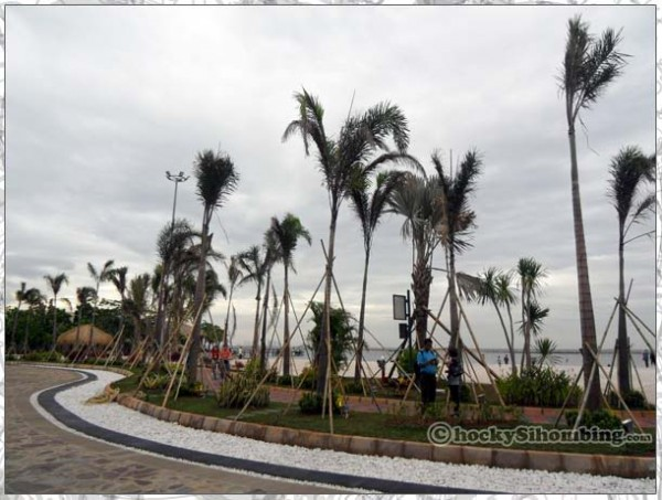 Mata-Elang-International-Stadium-beach