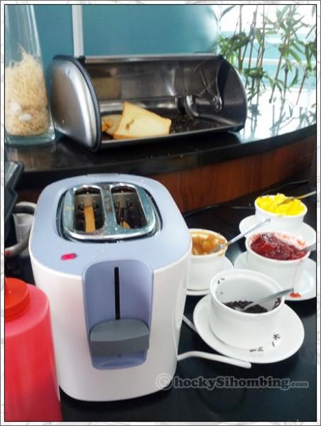 De_Green_toaster