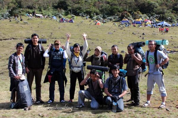 the-team-Surya-Kencana