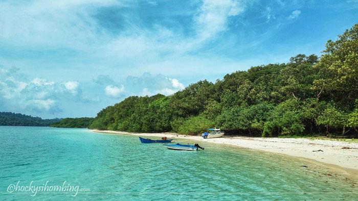 Pantai-Pulau-Peucang-Ujung-Kulon
