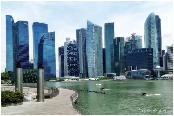 Jarang-jarang ngelihat Marina Bay Sands sepi begini! :D