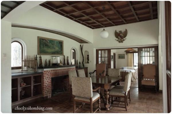 Ruang tengah di Rumah Boscha, Pangalengan