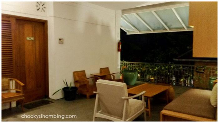 Teras-Depan-Kamar-Hummingbird-Bandung