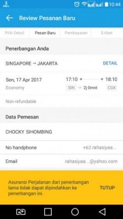 Setelah hasil pencarian jadwal penerbangan yang baru muncul, pilih salah satu deh. Saya pilih jadi penerbangan tanggal 17 April 2017
