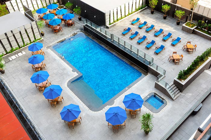 Grand-Mercure-Roxy-Singapore-Swimming-Pool